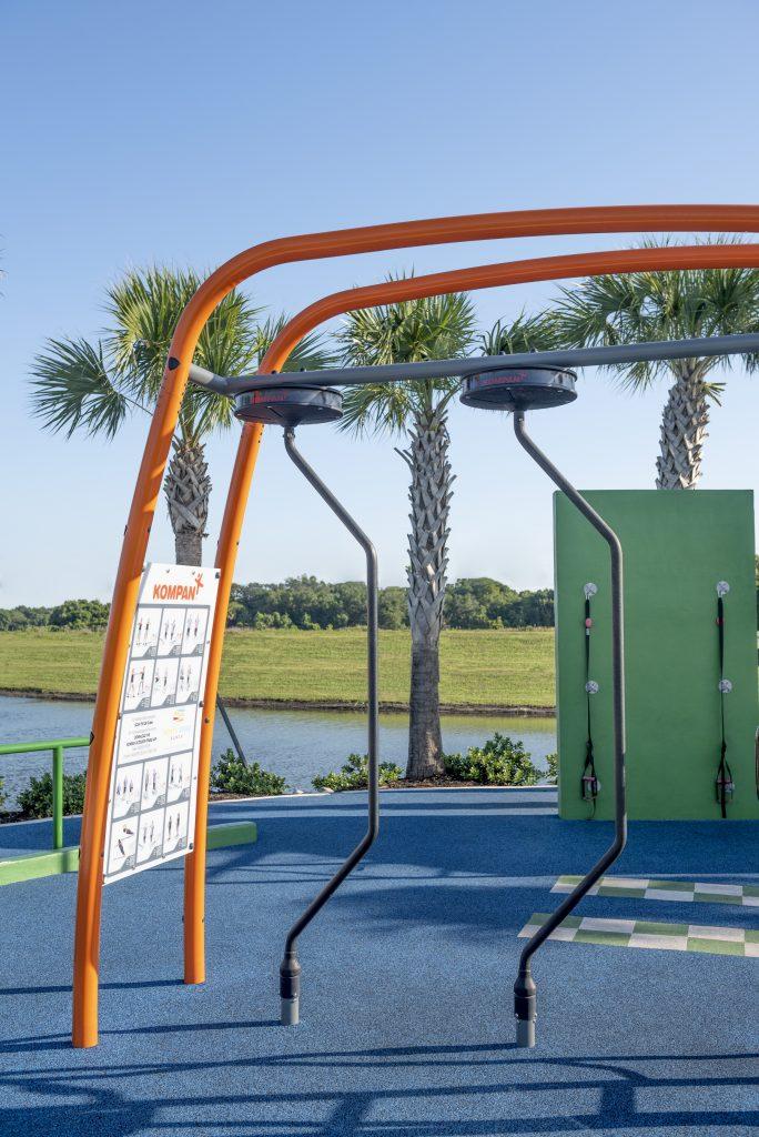 Outdoor exercise apparatus